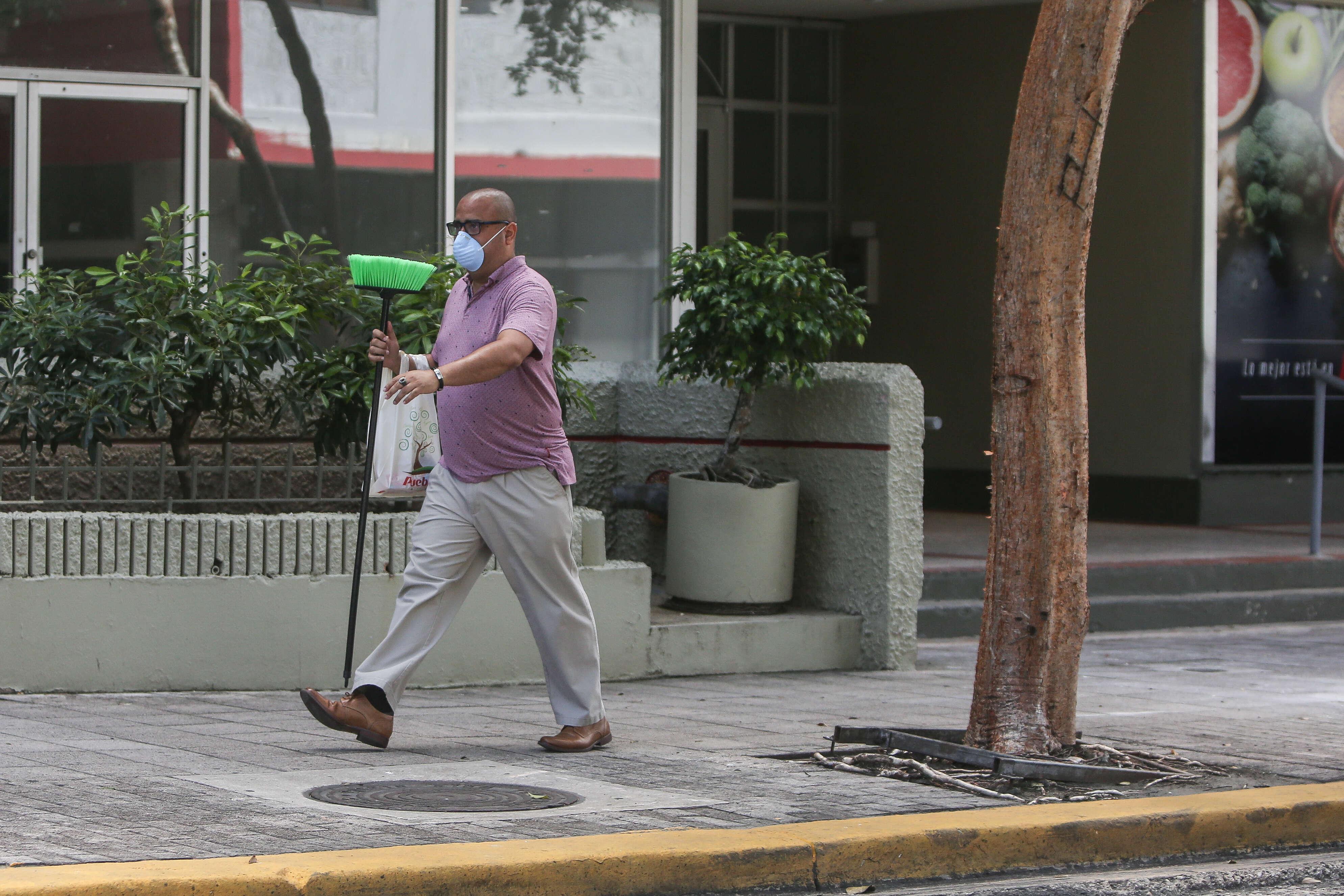 Entre La Ley Y La Politica El Toque De Queda Noticel La Verdad Como Es Noticias De Puerto Rico Noticel